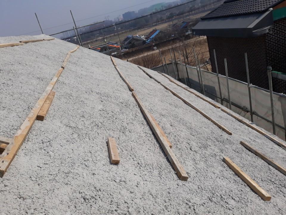 지붕방수준비작업.jpg